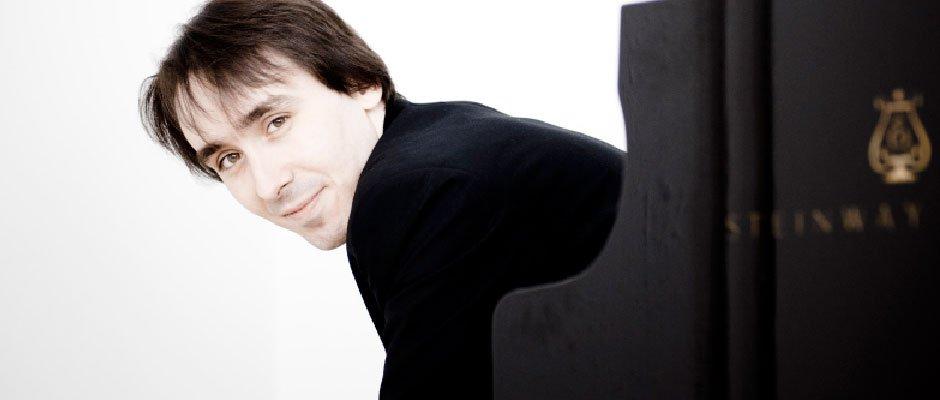 Der Pianist Gabriele Leporatti mit »Wien«